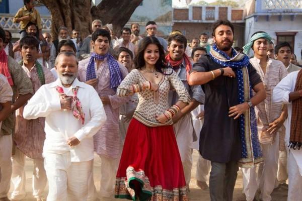 Anushka Sharma & Imran Khan in Matru Ki Bijlee Ka Mandola 2013