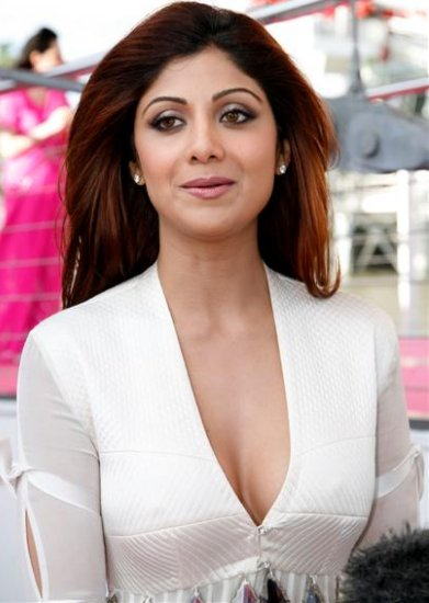 Shilpa Shetty returns in Bollywood with hot Item Song