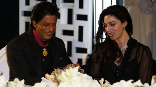 Monica Belochi and Shah Rukh Khan