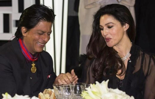 Monica Belochi and Shah Rukh Khan 04