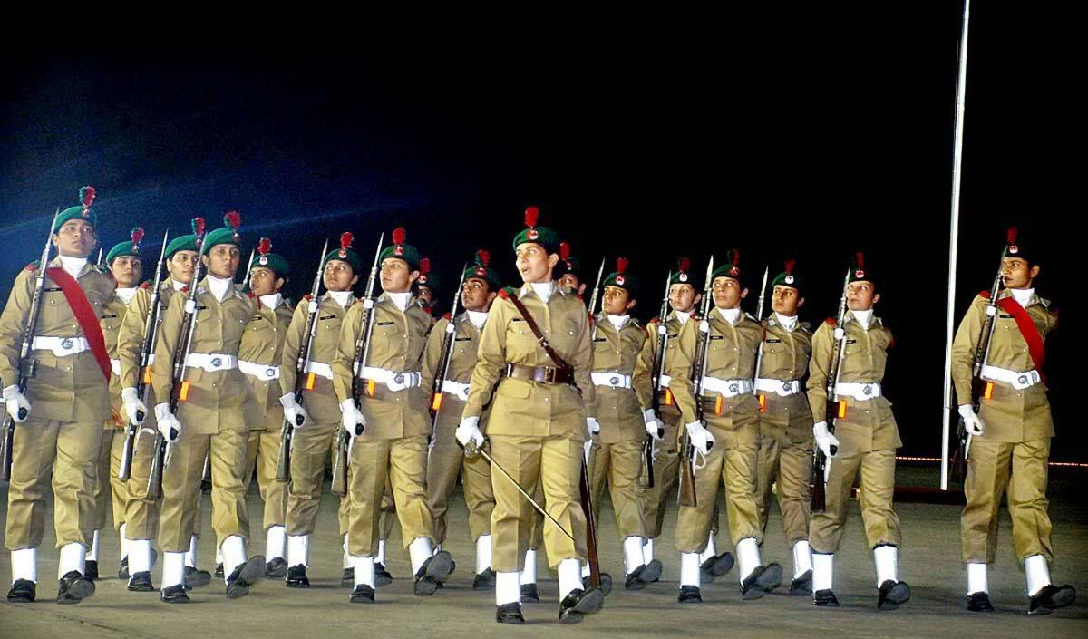 how to join pak army after graduation for females girls  how to join pak army after graduation for females girls 2016