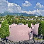 Dome Shaped Houses Made from Foam Safe From Earthquakes