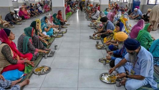 people in kartarpura