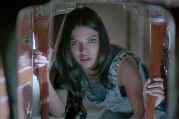 Sarah Lorean (Mona Lizza) in Murder 3 2013