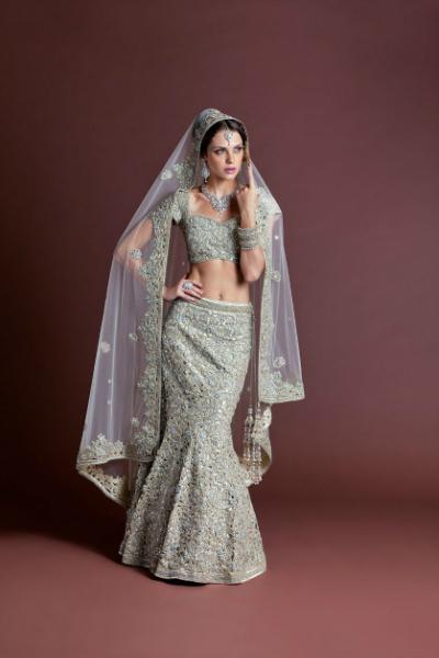 Model Showing Nice Bridal Dress